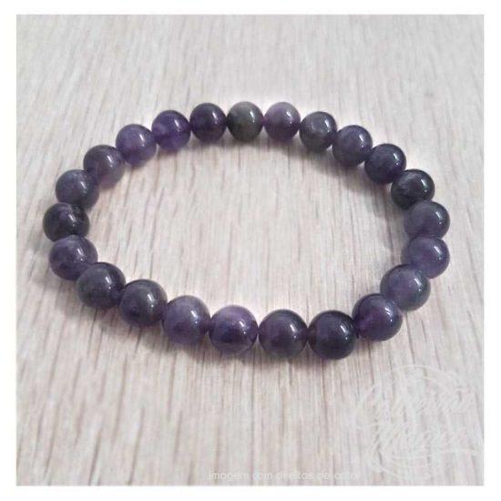 A pedra Ametista, transmite paz e harmonia. Afasta negatividade e protege com boas vibrações.